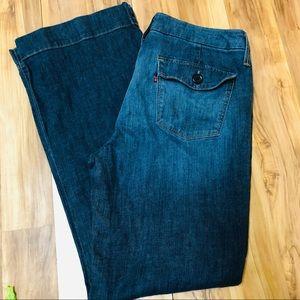 Levi's trouser jean button pocket